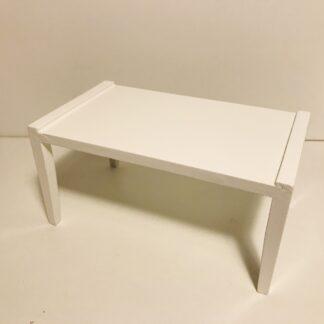 Enkelt hvidt firkantet bord