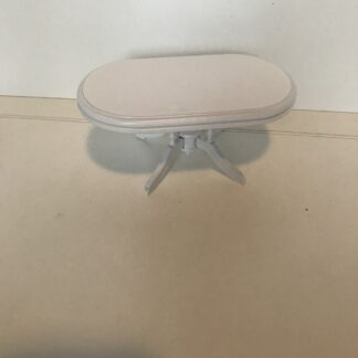 Hvidt ovalt spisebord