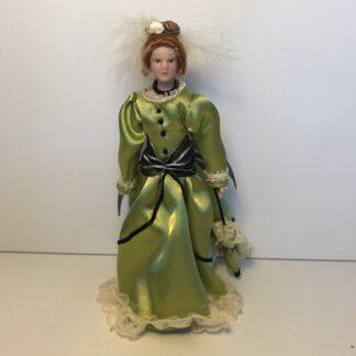 Fin dame i grøn kjole