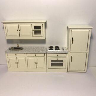 Køkken i 4 dele i creme med marmor bordplade