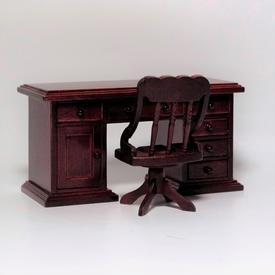 Skrivebord med stol i mahogni