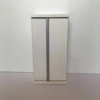Hvidt køleskab med 2 låger
